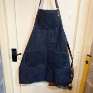 If you're looking for a good printing apron, I think this might tick a few boxes. Canvas, leather straps, a little carabiner to attach the waistband, plenty of fun pockets. £15 off Amazon (much as I don't like them…)