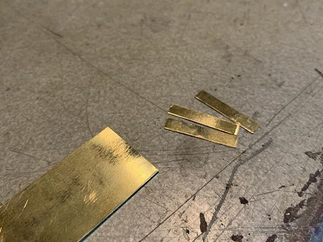 I've had a few enquiries about the availability of 1pt brass spaces. Honestly, all the printers I knew used 1pt leads cut down to size, but I think I've found a source of 1pt brass material. Would there be any interest in 1pt brass from the printers of instagram?
